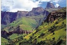 SOUTH AFRICA / From Cape Town to Johannesburg. Exploring Drakensbergen, the Garden Route and national parks like Kruger.