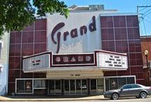 Indiana Theaters, Past and Present / The great movie theaters, opera houses, drive-ins, and vaudeville houses in Indiana