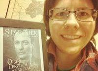 Bücher: Abenteuer / Hier geht es um Bücher, in denen die Protagonisten Abenteuer bestehen. Ich bin Daniela Walch und blogge auf http://buchvogel.blogspot.com Buch-Rezensionen