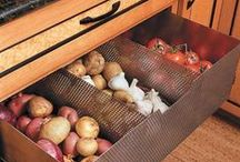 [ Home ] ✪ Le garde manger - L'office - Le cellier . Pantry / Un espace dédié dans la cuisine ou encore mieux une pièce spécialisée : le garde manger conserve nos préparations culinaires à façon pour régaler nos convives à l'envie... Miaoummm