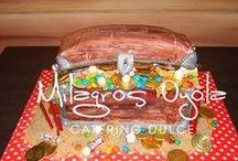 mis tortas / www.facebook.com/MilagrosOyolaCateringDulce Tortas para todo tipo de eventos. Con adornos realizados en porcelana fría o pasta comestible.