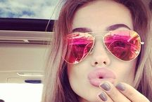 Sunglasses / Style statement