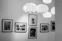 """Inaguración Retrospectiva Azoulay y Mouron / Recibimos al célebre fotógrafo de Paris Match, Claude Azoulay, y a """"The Gentleman Papparazzi"""", Bruno Mouron. Una exhibición con fotografías en blanco y negro de las grandes stars como Marilyn Monroe y Brigitte Bardot ambientadas en la esquina parisina de nuestro local de Recoleta."""