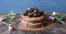 Vegaaninen leivonta // Vegan baking / Täältä löydät parhaat ideat vegaaniseen leivontaan. Vegaanisia kakkuja, lettuja, pullaa, jälkiruokia ja muuta leivontaa.