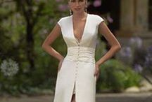 Robe de Mariée... ...  / Les robes que je trouve belle, tellement belle...  / by Caroline