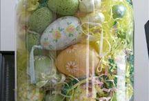 Pâques... ...   / Des oeufs, des poules, des lapins, du chocooolat......  / by Caroline