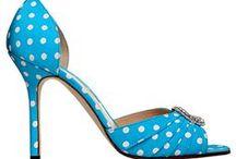 Sapatos / by Le Saiz