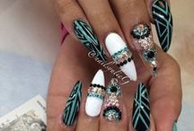 Nails - Nail Designs - Nail Colors / Nail Colors, Nail art, nail designs and different nail inspiration to try. #naildesign #nailart #nailinspiration #nailcolors #naildesigns #mattenails #ombrenails #naildesigninspiration