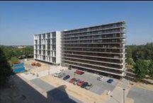 Apeldoorn, De Valk / Renovatie, flat met 100 woningen getransformeerd naar 2x 50 appartementen, flat op de helft gespiegeld.