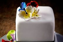 wedding cakes III / by Ninie