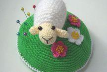 Scratch 'N' Tick'-Wool,cotton / Nan o art