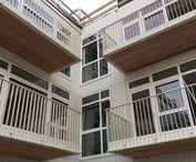 Arnhem, Kortestraat / Transformatie op binnenstedelijke locatie. Volledig geprefabriceerde balkons. Montage vanuit de kraan