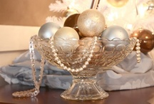 Christmas: Centerpieces/Tablescapes / by Ann Rawlings