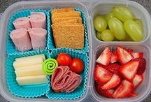 Lunchbox Ideas / Stuggling for ideas for your kids' lunches? Try something new and creative. They'll love it.