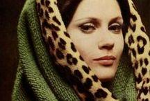 | Nina Ricci / Várias criações pertencentes a Nina Ricci que inspiram, especialmente, pelo caráter feminino e elegante das modelos e dos objetos em si.