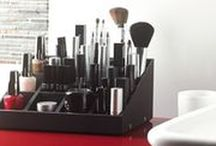 UNIQ Makeup organizer / Uniq Organizer is a modular storage solution for makeup and beauty accessories - Let's combine your perfect makeup organizer ! More infos: www.uniqorganizer.com
