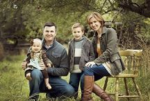 Family Portrait Ideas / Familys Looking for Unique Family Portrait Ideas