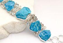Bracelets / Gemstone and metal bracelets