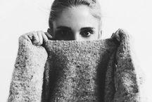 PHOTO | Monochrome / Monochrome,Photograph,Black.