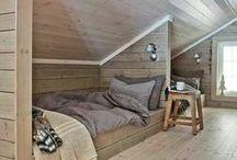 In the attic - tetőtérben