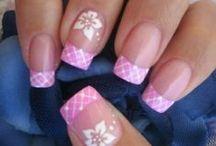 nail art & tips