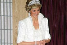 Dress like a royal! / Clothes, hats and accessories fit for the blue-blooded