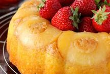 Cakes with fruits / Very good / by Madalena Ribeiro
