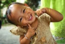 Smiles from Around the World / Everyday people and their bright smiles of all shapes and sizes.