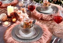 Soft & Shiny / Installez-vous dans un joli nid douillet cet automne. Du textile doux, de la décoration cocooning pour une maison agréable. Choisissez un bel éclairage d'ambiance, quelques bougies et appréciez ces précieux moments de détente. Les teintes rouges et brunes donnent de la chaleur et de la profondeur à votre intérieur. Emballés dans des étoffes agréables, ces coussins emportent votre intérieur au septième ciel. Inspirez-vous des dernières tendances déco sur www.casashops.com. Belle visite !