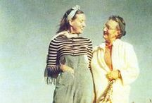 Grey Gardens / In GREY GARDENS we meet Big and Little Edie Beale - mother and daughter, high-society dropouts, reclusive cousins of Jackie O. - thriving together amid the decay and disorder of their ramshackle East Hampton mansion: http://influencefilmclub.com/film/grey-gardens/