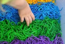 Sensory Play Bin Ideas / Sensory bins are great hands-on activities to help young children calm down and explore concepts.