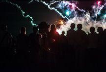 PYROMAGIC 2015 / PYROMAGIC 2015  Piękna pogoda, zmagania sportowe, muzyka na żywo i wystrzałowa noc na Wałach Chrobrego. Ósmy raz, niebo nad Szczecinem rozbłysnęło milionami kolorów. http://www.szczecin.eu/zycie_w_miescie/aktualnosci/47478-pyromagic_2015_dalismy_ognia.html
