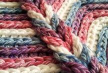 Stash Buster Crochet Projects / Crocheted Projects to Reduce Your Stash