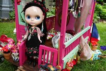 Blythe's Caravan / This is so cute. Great photos.