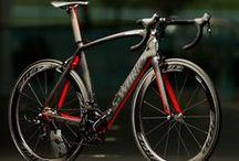 Bicycles Styles /  Bicicletas com diversos gostos e estilos.