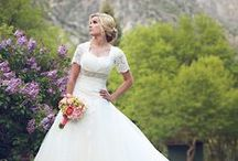 Wedding Dresses & Accesories  / Beautiful wedding gowns and trending fashions.