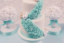 Tutorials/Tips for cakes and cupcakes / by Gertie Green