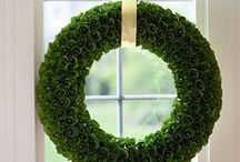 Repins-wreath / by Florist Montreal