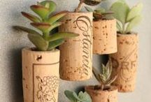 DIY Planters You Can Make at Home / Cute Easy Fun Planters anyone can make.
