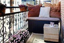 Τσάι με λεμόνι στο μπαλκόνι