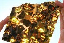 -- Earth Treasures -- / Vulcan, Gems, Stones, Minerals and Rocks