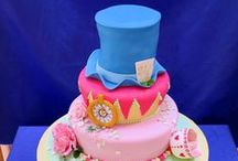 Contemporary Wedding Cakes / Unique and bespoke Wedding Cakes for delivery to Edinburgh, Glasgow throughout Scotland and mainland U.K.