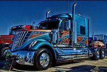 Big  Rig  Trucks / Beautiful !!!!  Trucks are so cool!
