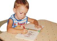 """Giocattoli per bambini / Nel blog """"la scatola dei giocattoli"""" scriviamo, oltre che di vita familiare, anche di giochi per la prima infanzia, dai 2 ai 6 anni. Parleremo di che cosa fare per stimolare la creatività dei più piccoli, quali oggetti scegliere per divertirli e per aiutarli a crescere. I giocattoli per bambini che amiamo sono di legno; ma sono, soprattutto, giocattoli intelligenti, idee da regalare."""