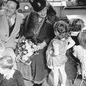 Montessori / Maria Montessori è stata una pedagogista italiana con un metodo e una teoria fra le più efficaci per educare i bambini. Oggi ritroviamo il suo insegnamento in criteri per arredare gli spazi dedicati ai piccoli: dal letto alla cameretta ai tavolini e sedie a misura di bambino; in giochi per i bambini e in principi di metodologia e didattica per le insegnanti.