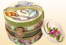 LIMOGES TRINKETS / by Ingrid Achamizo