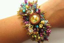 Bracelets /