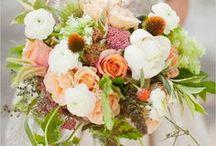 Wedding Bouquet Inspiration / Gorgeous wedding bouquets, bride's bouquets and flower inspiration for modern weddings