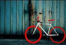 Vélo rouge | Red bike / Les #vélos sur le thème du #rouge. #Red #bike #bicycle