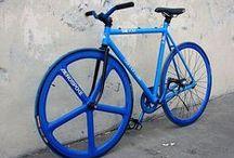 Vélo bleu | Blue bike / blue bicycle and colours / velo et vtt bleu